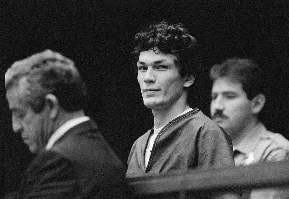 Richard Ramirez podczas rozprawy sądowej