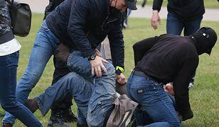 Białoruś. Kolejny dzień protestów w Mińsku. Milicja ostrzega przez głośniki o możliwości użycia siły, jeżeli demonstranci się nie rozejdą