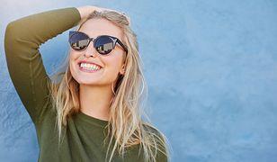 Efektowne okulary przeciwsłoneczne nie muszą być drogie, warto obserwować trendy i nie przepłacać