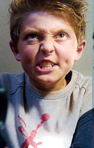 """Nieznośny dzieciak z """"Charlie i Fabryka Czekolady"""" wyrósł na prawdziwego przystojniaka"""
