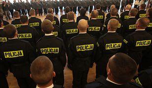 Są chętni do pracy w policji, ale testy i wymagania zalicza co piąty.