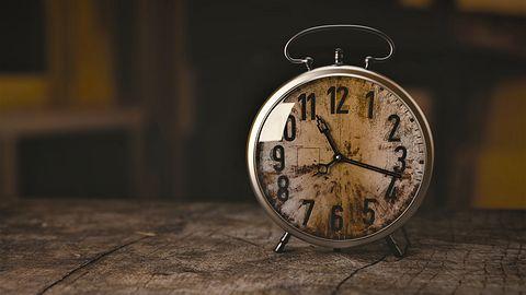 Źle ustawiony zegarek w Windowsie? Powodem synchronizacja Usługi Czasu