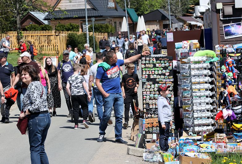Oblężenie Zakopanego! Polacy tłumem ruszyli na wakacje
