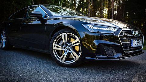 """Właściciele nowych Audi nie będą już stali na światłach? Oto nowa funkcja """"zielonej fali"""""""