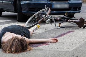 Drastyczne skutki wypadków na rowerze. Zabrakło wyobraźni i kasku