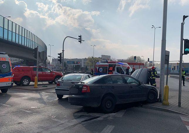 Dwie osoby ranne w wypadku we Włochach. Kierowca uciekł?