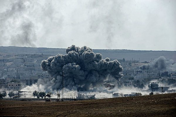 Posiłki przybyłe na pomoc Kobane bez szans na wyparcie dżihadystów