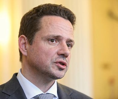 Rafał Trzaskowski decyzję ws. referendum pomnika smoleńskiego uzależnia od decyzji sądu