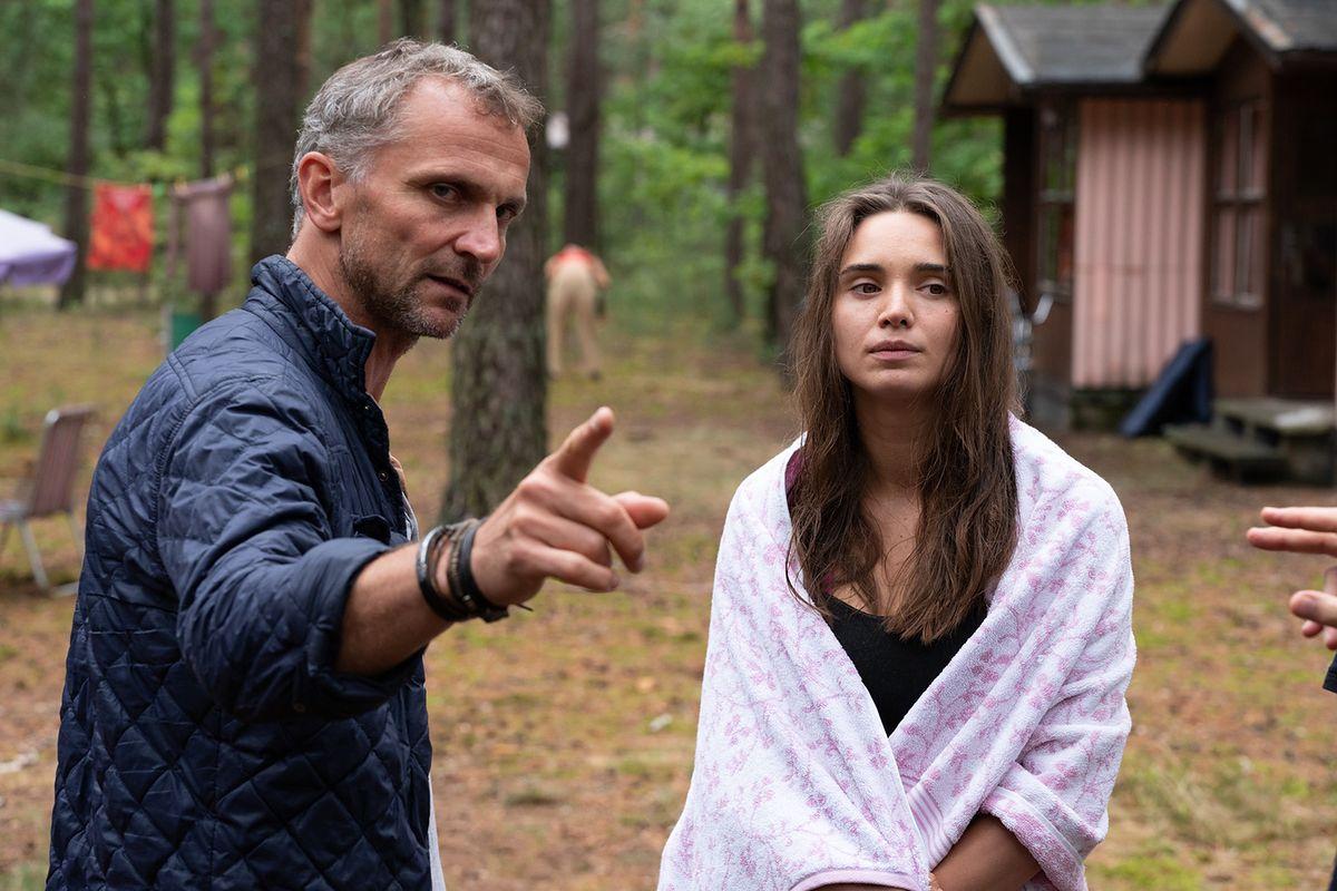 """""""W głębi lasu"""" było kręcone... w Tworkach. O tym, jak Polacy robili nowy serial Netfliksa"""