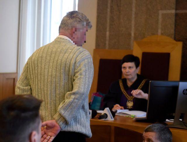 W Łodzi ruszył proces mężczyzny, który zakopał psa żywcem