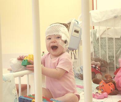 Antosia mimo choroby jest radosnym dzieckiem.