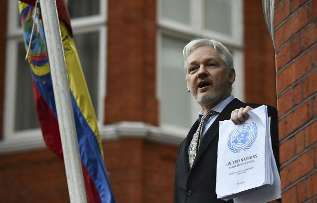 Intruz chciał wtargnąć do ambasady Ekwadoru w Londynie. Planowano zabójstwo Juliana Assange'a?