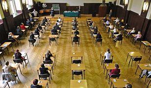 Egzamin ósmoklasisty i gimnazjalny – wyniki dostępne w internecie.  Zobacz, na jakich stronach możesz je sprawdzić