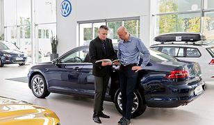 Polscy klienci chcą oszczędzać i najwięcej z nich wskazuje, że przy wyborze nowego samochodu kieruje się jego ceną