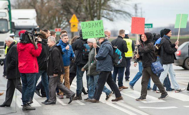 Sejmik wojewódzki apeluje o budowę nowego odcinka S8. Czy piątkowe protesty przyniosą efekty?