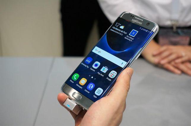 Pomagasz korzystając ze smartfonu. Samsung włącza #FunkcjęDobroczynności na rzecz UNICEF