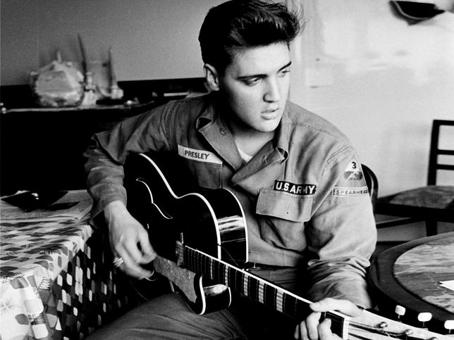 Elvis Presley pedofilem i gwałcicielem? Autor jego biografii jest tego pewny