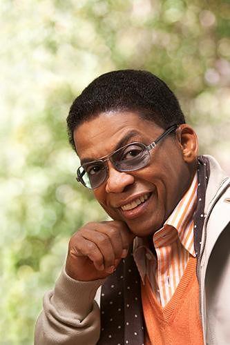 Herbie Hancock jest utalentowanym muzykiem jazzowym