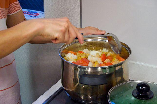 Gotowanie to jeden z procesów obróbki termicznej, który bardzo często wykorzystujemy w gastronomii