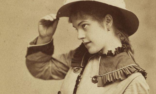 Podczas pewnej kolacji Wisnowska wyznała kornetowi, że marzy o tym, by umrzeć na scenie w obecności widzów
