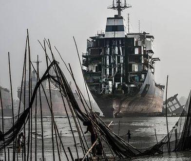 """Chiny zamykają swoje """"cmentarzyska statków"""""""