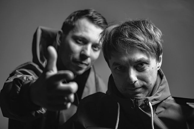"""Bisz i Radex zapowiadają nowy album. Promują go singlem """"Lascaux"""" z wyjątkowym przesłaniem"""
