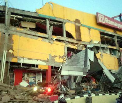 Po trzęsieniu ziemi do wyspy dotarła fala tsunami