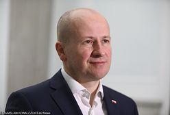 """Wybory parlamentarne 2019. Poseł PiS Bartłomiej Wróblewski wykorzystał wizerunek burmistrzów. """"Tak się nie robi"""""""