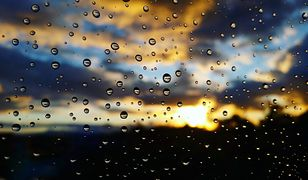 W sobotę na słoneczną aurę będą mogli liczyć jedynie mieszkańcy północy Polski, na pozostałym obszarze pogoda w kratkę, może padać
