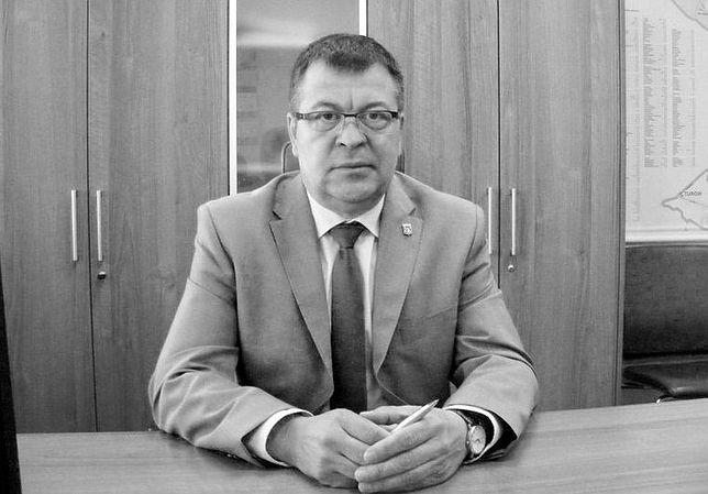 Robert Makowski, wiceburmistrz Wołomina, zmarł po tym, jak został przygnieciony konarem drzewa