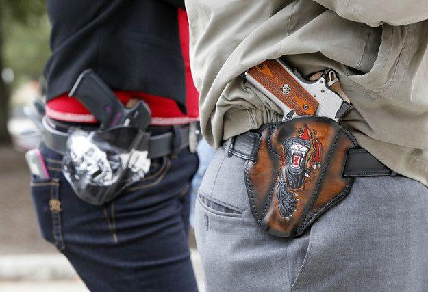 """W USA zaostrza się debata o dostępie do broni palnej. """"Próba rozbrojenia Amerykanów może wywołać rewolucję"""""""