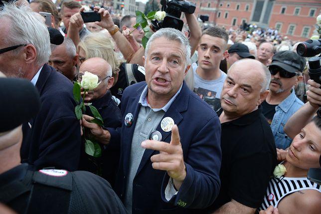 Władysław Frasyniuk protestuje na Krakowskim Przedmieściu