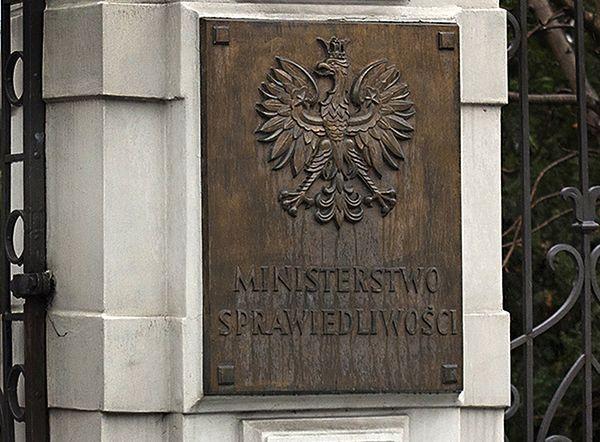 Oświadczenie Ministerstwa Sprawiedliwości w TVN i posła PO-KO Sławomira Nitrasa