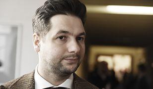 Promotor pracy doktorskiej Patryka Jakiego Bogdan Grenda odwołany z Akademii Sztuki Wojennej