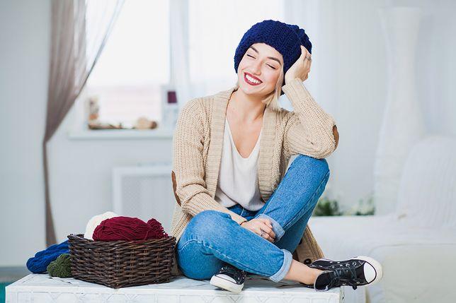 Długie swetry na zimę. Do spodni i do grubych rajstop
