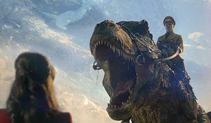 """""""Iron Sky: The Coming Race"""" - Hitler ujeżdżający dinozaura w zwiastunie komedii"""
