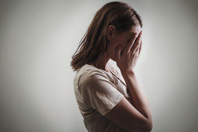 Kobiety szukają pomocy w domach saomtnej matki