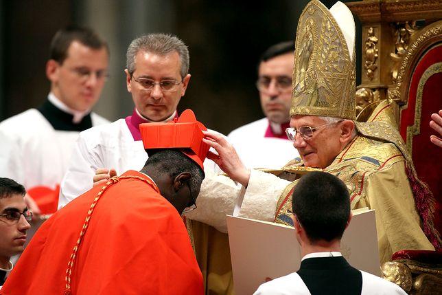 Benedykt XVI i kard. Robert Sarah w 2010 r.
