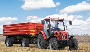 Przed wyjazdem z pola na drogę rolnik powinien oczyścić koła pojazdu