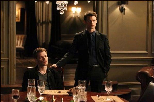 Pamiętniki wampirów sezon 3, odcinek 13: Wydobywając zmarłych (Bringing Out the Dead)