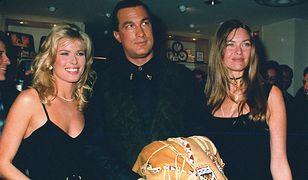 Steven Seagal w towarzystwie modelek: Vendeli (po lewej) i Carol Alt, 1993 r.