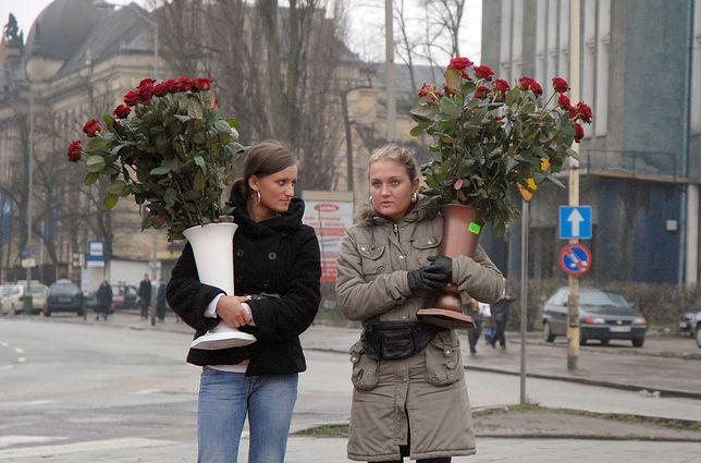 Nie tylko kwiaty. Oto wymarzone prezenty, jakie panie chciałyby otrzymać w Dniu Kobiet