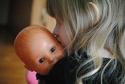 Interaktywna lalka – bawi i uczy