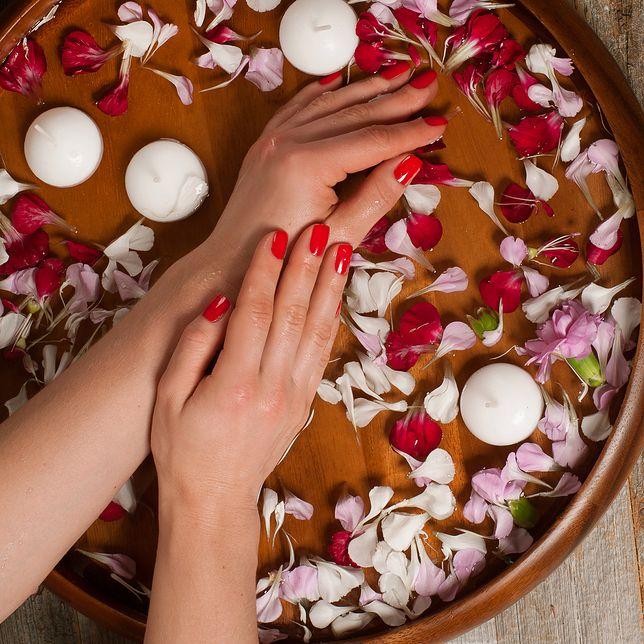 Pielęgnacja dłoni - poznaj sposoby na piękne i zadbane dłonie