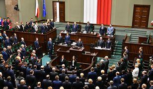 Jarosław Kaczyński nie pojawił się na sali posiedzeń, gdy Sejm wspominał zamordowanego prezydenta Gdańska Pawła Adamowicza.