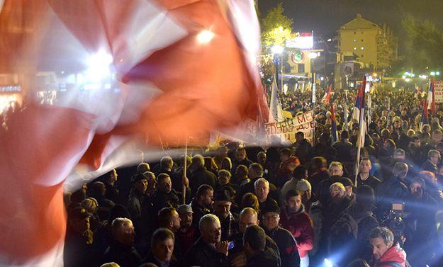 Czarnogóra: protest przeciw przystąpieniu do NATO