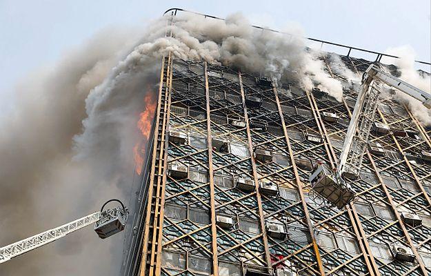 Katastrofa w Teheranie. Wielki pożar, a potem zawalenie 17-piętrowego wieżowca