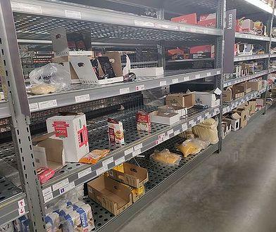 Z półek sklepowych znikały produkty pierwszej potrzeby.
