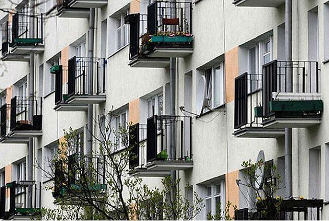 Partia Razem postuluje budowę mieszkań na wynajem