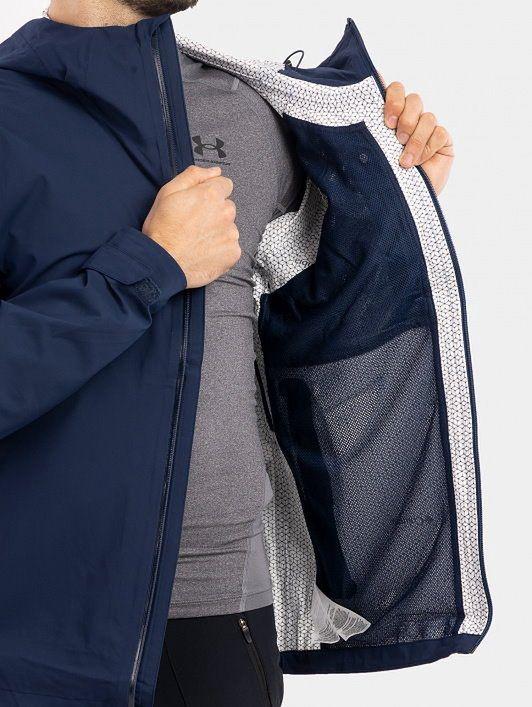 Męska kurtka przeciwdeszczowa — niezbędny wybór każdego turysty